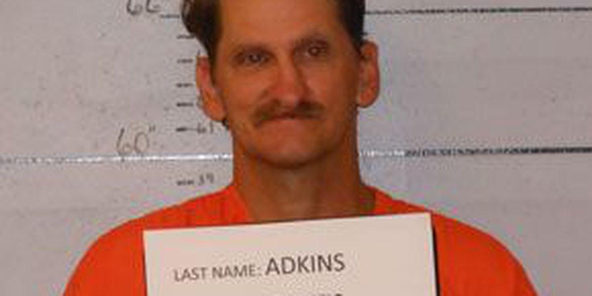 Broaddus man arrested after allegedly striking wife with beer bottle