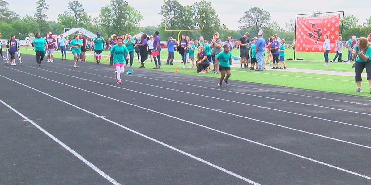 Students compete in Special Olympics track and field event at Shelbyville ISD