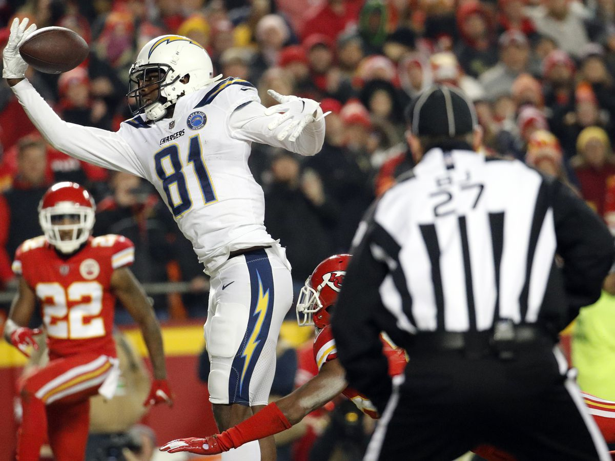 Chiefs left to stew over missed chances against Chargers