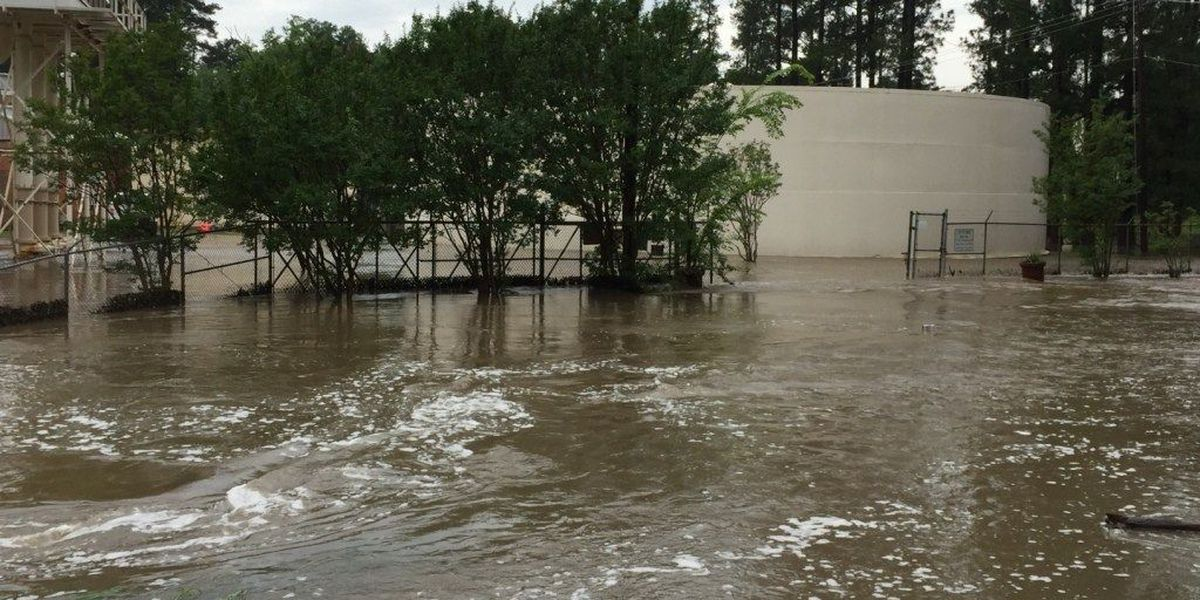 Morning storm floods Lufkin streets, cars and yards; trees down