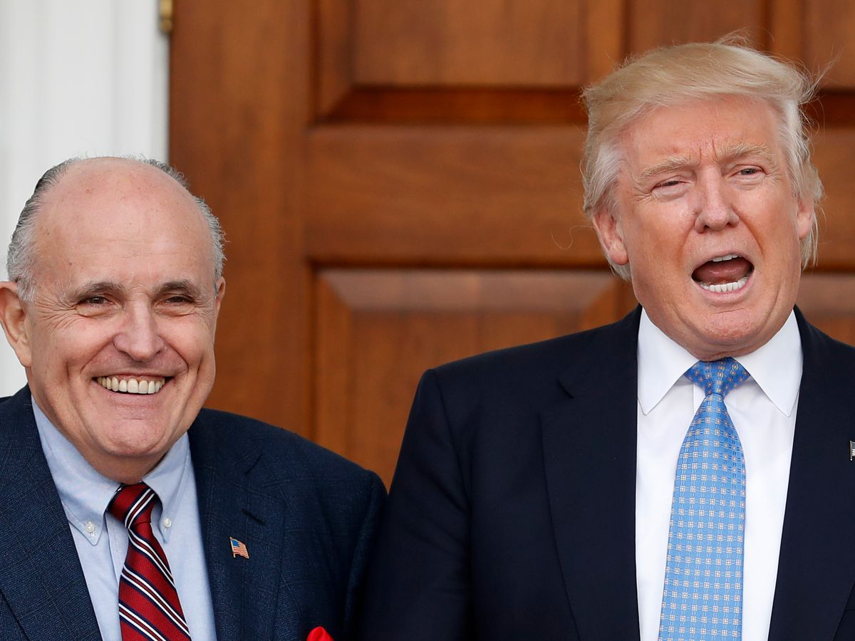 Trump backs Giuliani, but some aides wish he would cut ties