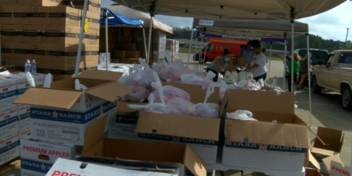 Hundreds attend free produce drop as need in Nacogdoches grows during pandemic