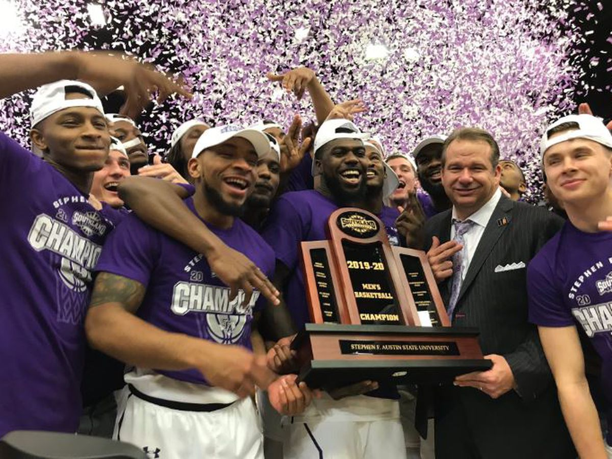 SFA's coach Keller, Kevon Harris bring home NABC awards