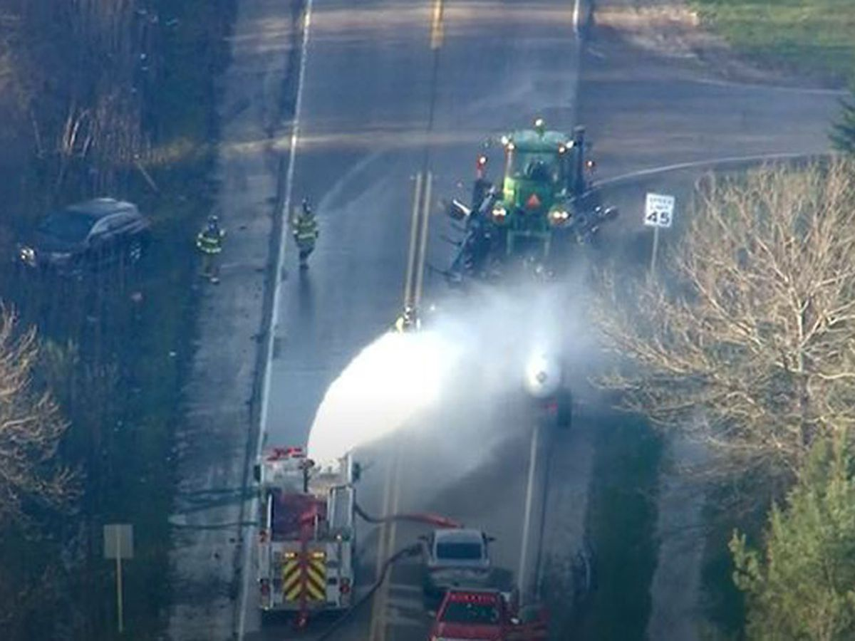 Ammonia leak sends 37 to hospitals in Chicago suburb