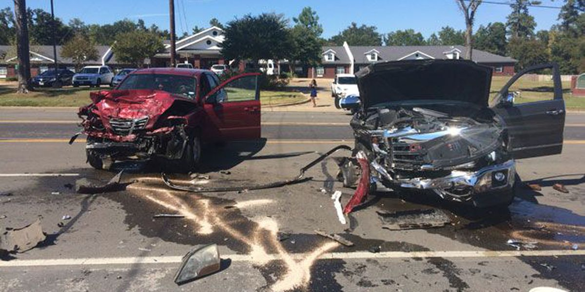 Lufkin PD releases name of man airlifted after 2-vehicle wreck on Hwy 94