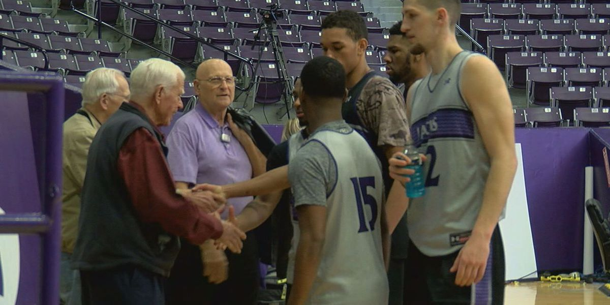 Stephen F. Austin State University welcomes back Lumberjack basketball alumni
