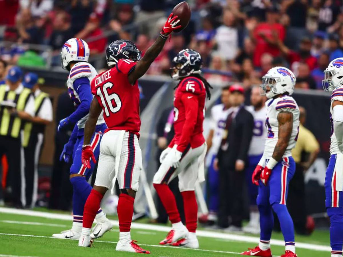 Keke Coutee goes down with injury in Texans win