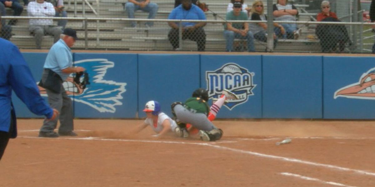 No.17 Angelina crushes Paris in double header