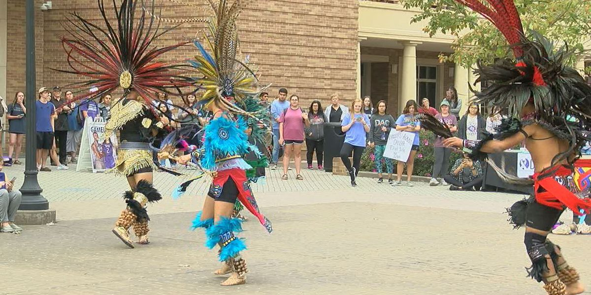 SFA hosts Aztec dancers to celebrate Native American Heritage Month