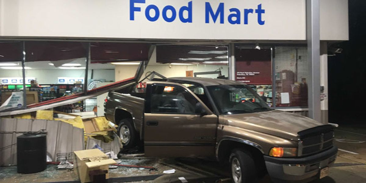 Palestine police: Burglary suspects backed pickup through convenience store's front doors