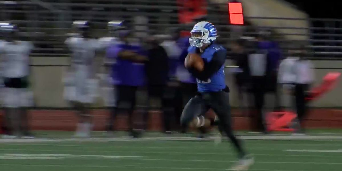 WATCH: Lindale's Airik Williams take high snap 60 yards for score