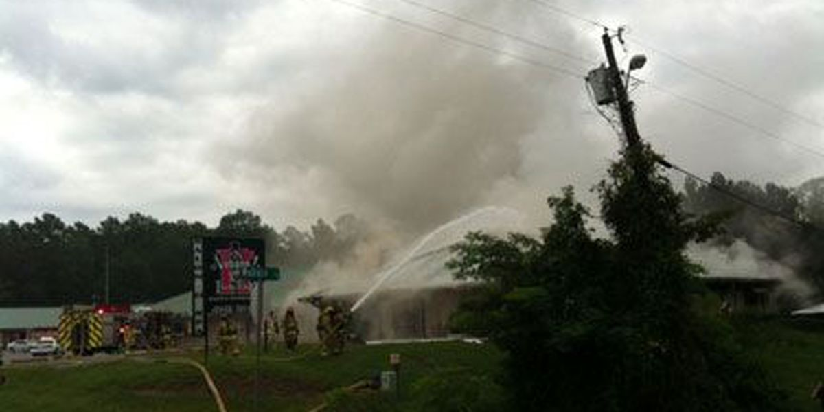 Lufkin firefighters battle blaze at Nubangz Studio