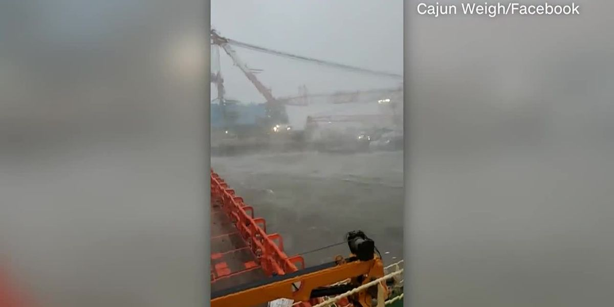 Raw: Barge comes loose in Louisiana during Zeta