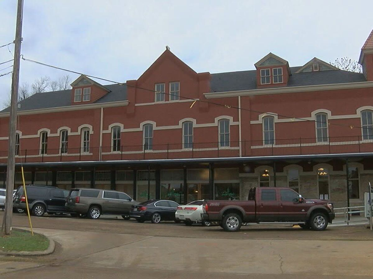 MARK IN TEXAS HISTORY: The Ginocchio Hotel