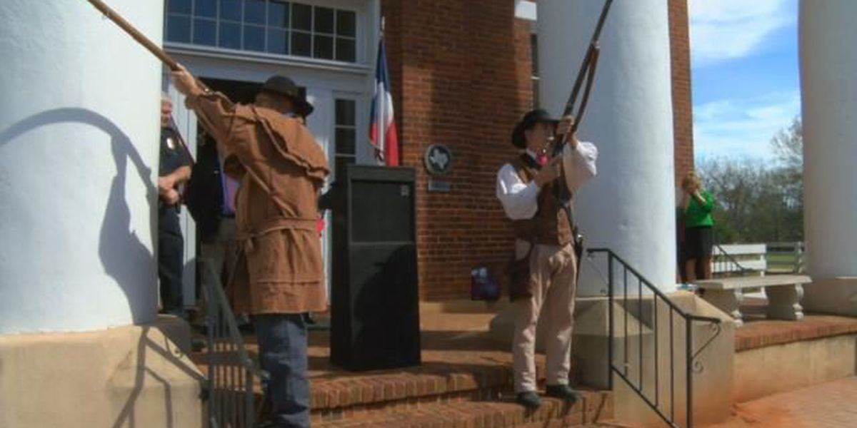 Nacogdoches marks 181st anniversary of Texas' independence with re-enactors, bell ringing