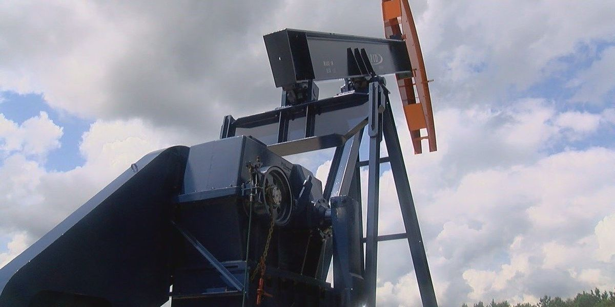 Lufkin company unveils new all-American, Lufkin made pumping unit