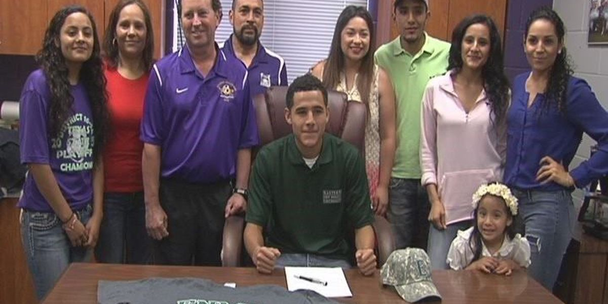 Seven Lufkin Panthers sign National Letters of Intent, including State MVP