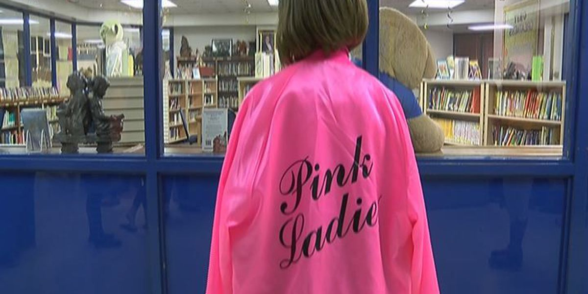 Lufkin Elementary school honors 1950s with character parade