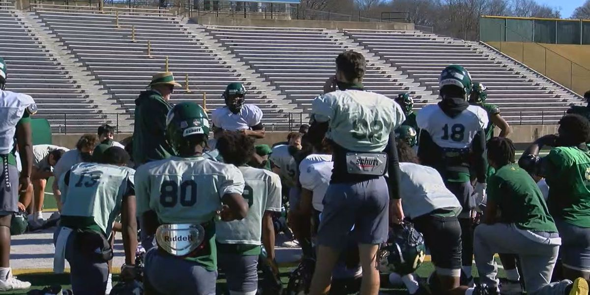 Longview Lobos preparing for toughest game under King regime