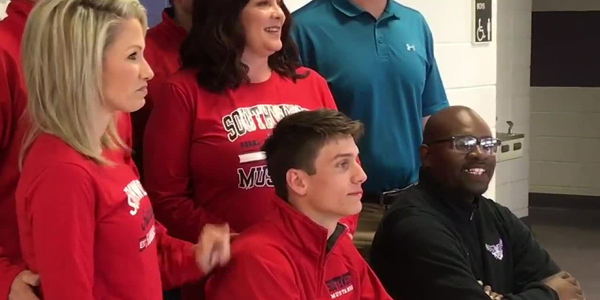 WEBXTRA: Chireno basketball player signs to University of the Southwest