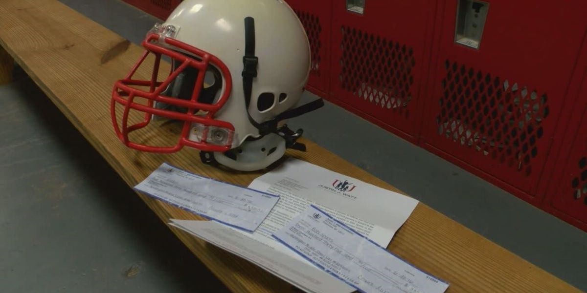 JJ Watt Foundation provides Huntington Middle School with large donation for new football gear