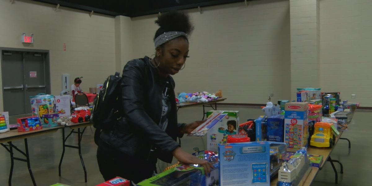 Christmas Shared Blessings in Nacogdoches empower parents in need
