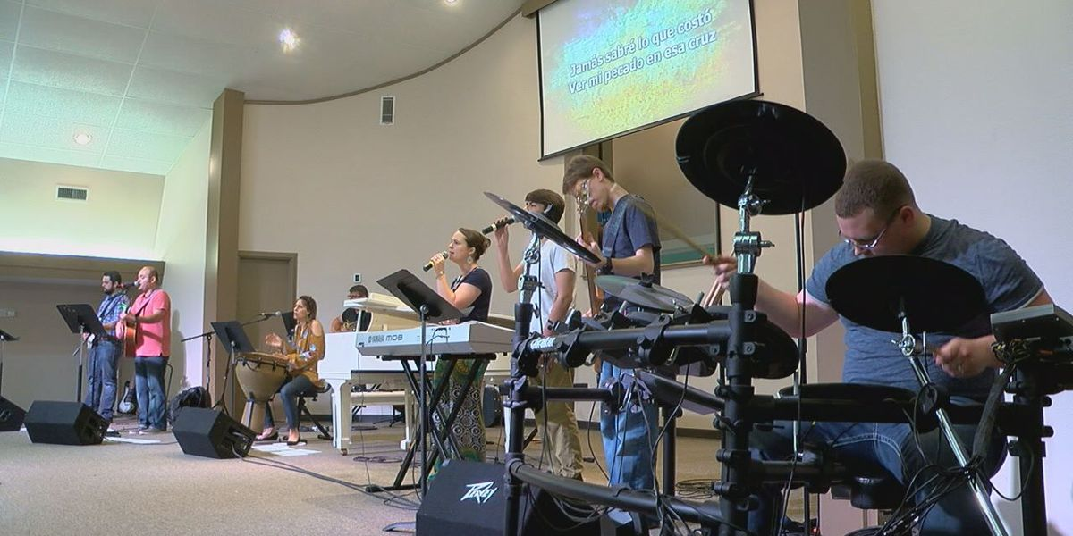 Two Lufkin churches become one offering service in two languages