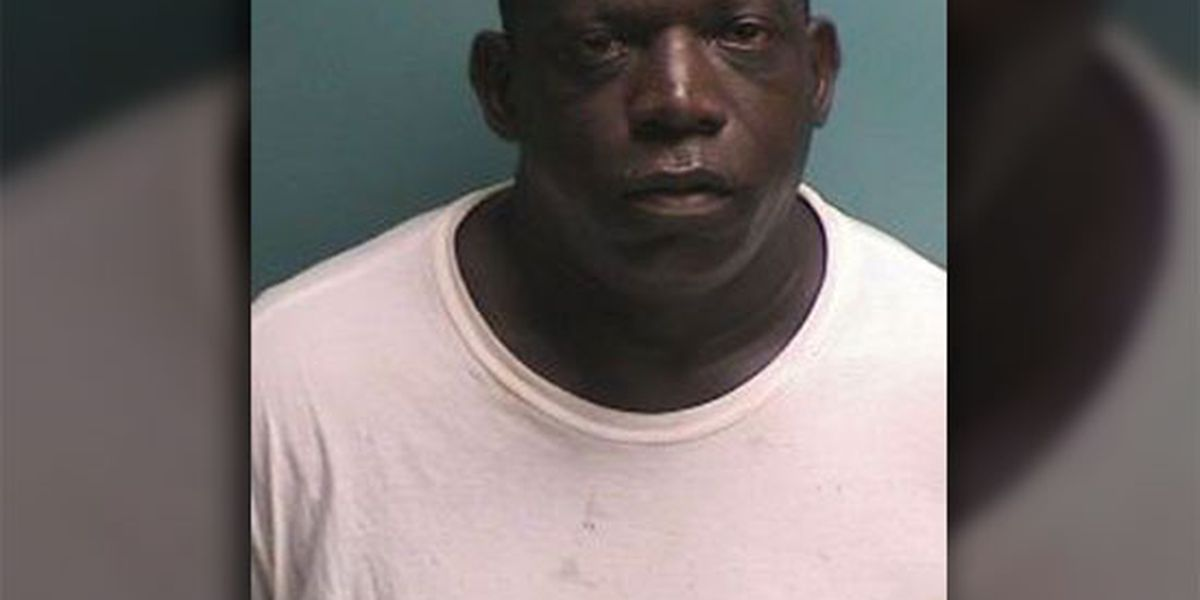 Nacogdoches police respond to 911 calls about man waving gun on South Street