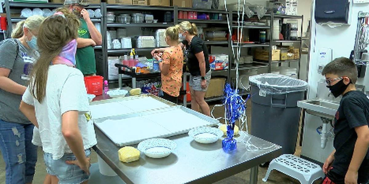 Lufkin's Grandough Baking Company hosts kids baking camp