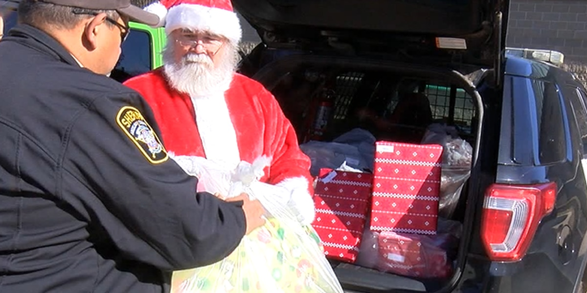 'Shop with a Cop' program changes include a special delivery from Santa