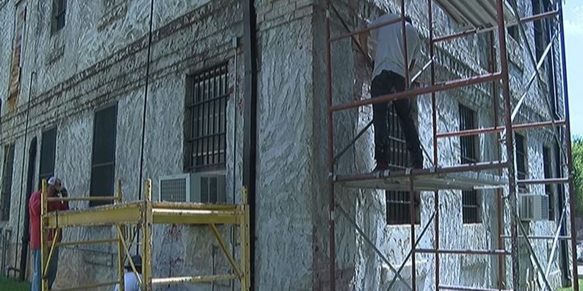 Restoration gets underway for the 1919 jail in San Augustine County