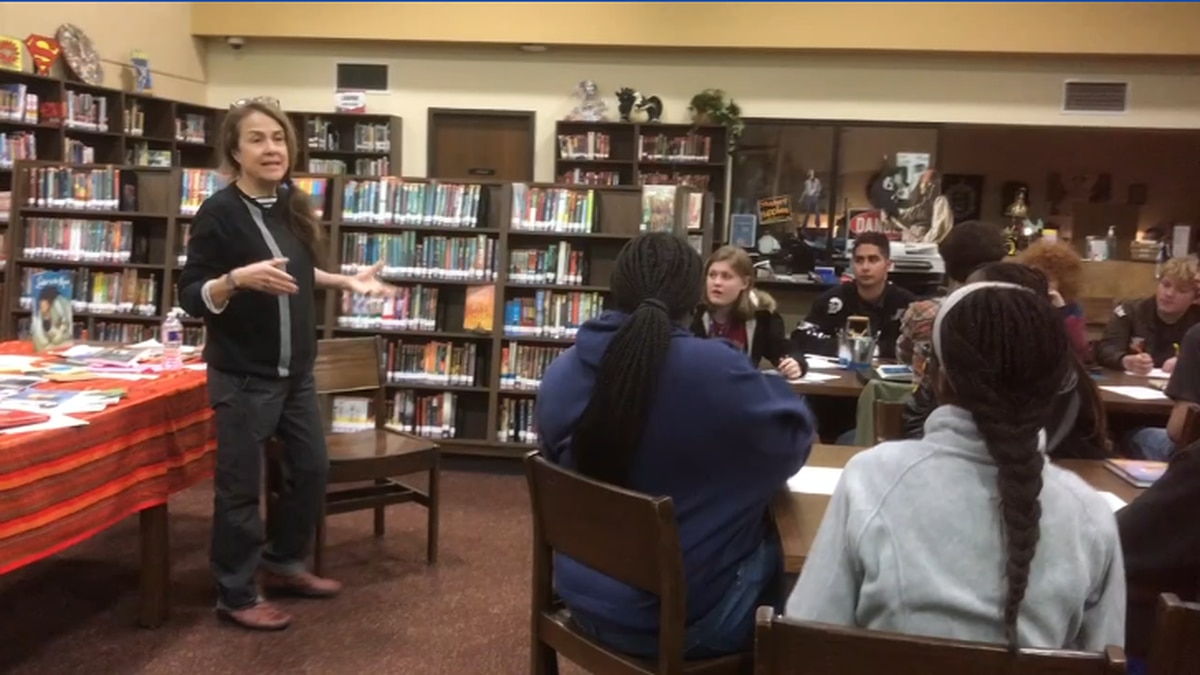Poet Laureate teaches Nacogdoches students importance of creative writing, poetry