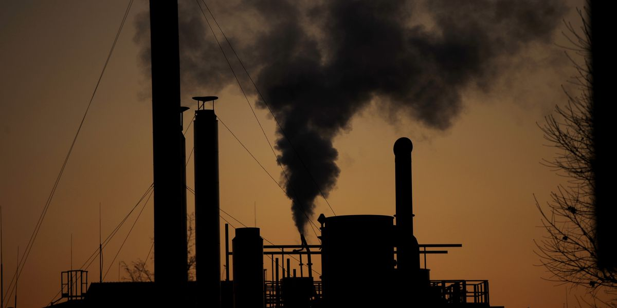 Nations at climate talks back universal emissions rules