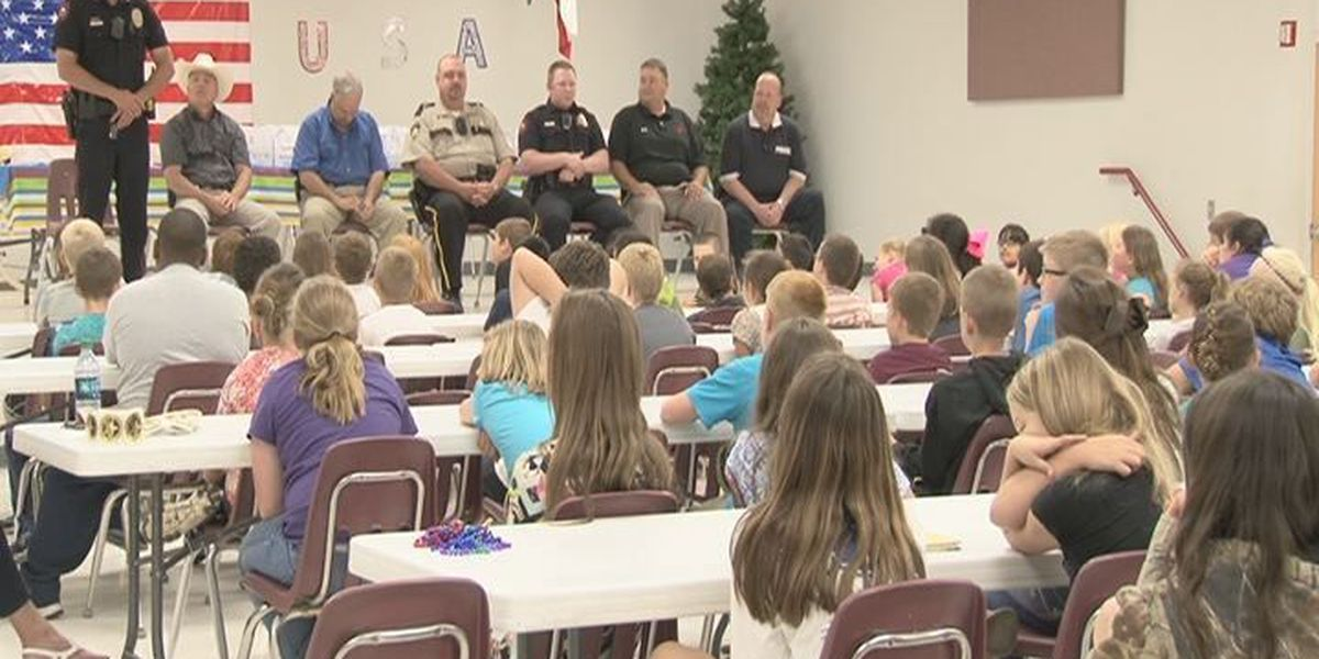 Officers school Huntington students on law enforcement