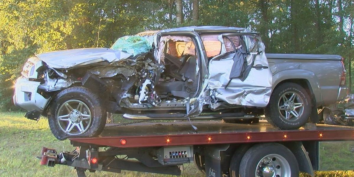 One person dead in four-vehicle wreck in Angelina County