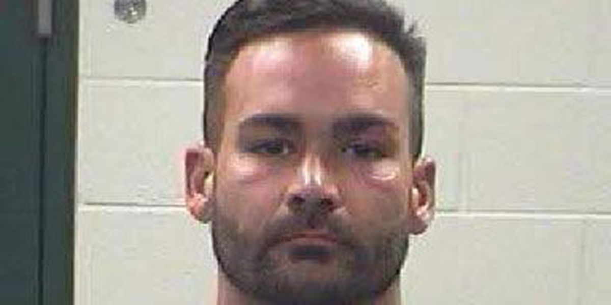 Onalaska PD: Man posted intimate pictures of woman on social media