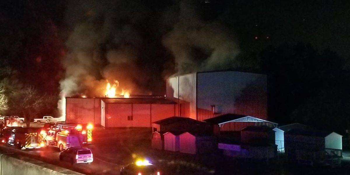 Lufkin business burns overnight