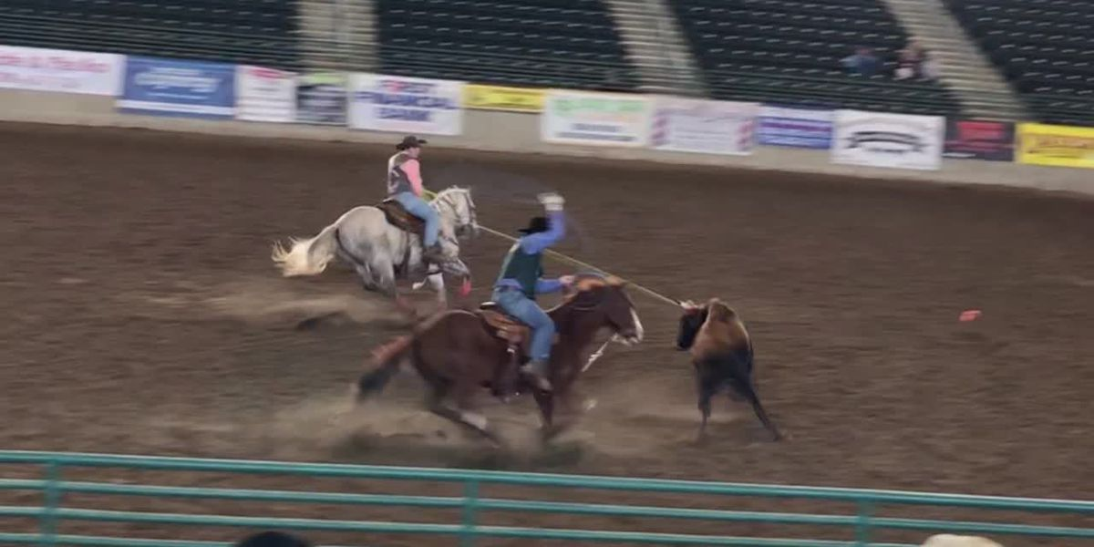 Two East Texas team ropers to compete at College National Finals Rodeo