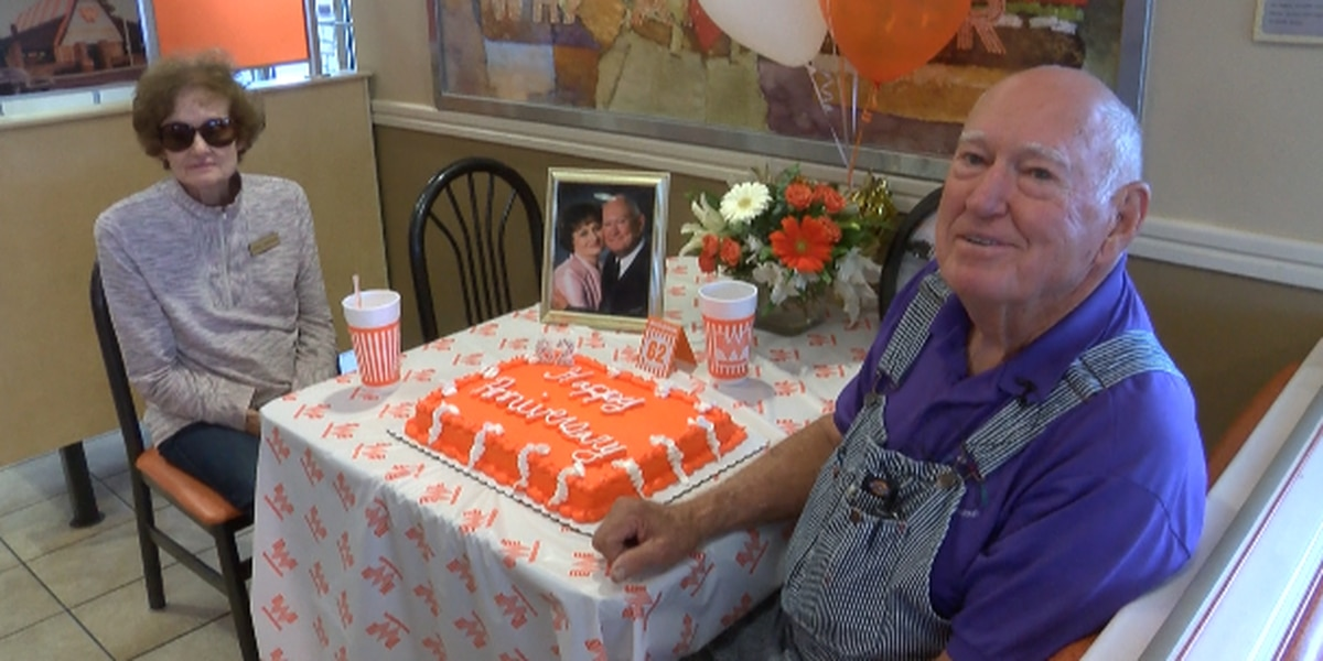 'What-a-couple' gets Whataburger surprise for 62nd anniversary