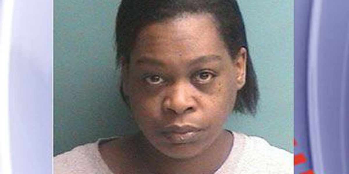 Report: Nacogdoches woman stabbed husband with steak knife during argument